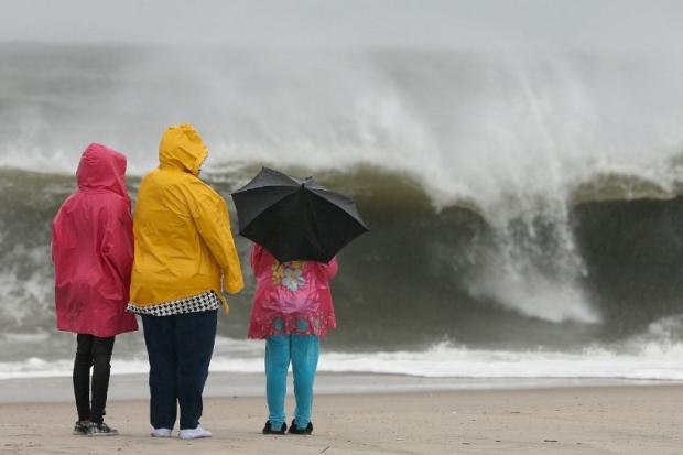 Znalezione obrazy dla zapytania morze bałtyckie wiatr deszcz
